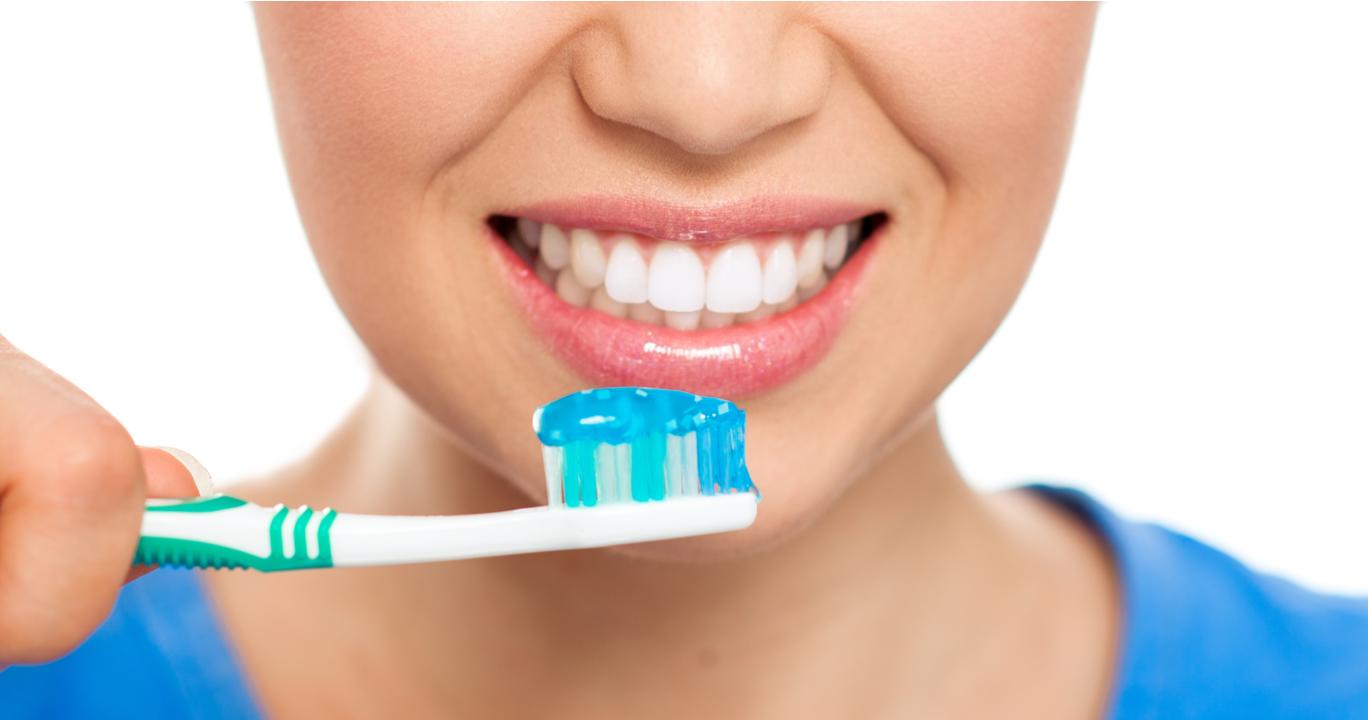 Kumpulan Gambar Sketsa Anak Menyikat Gigi
